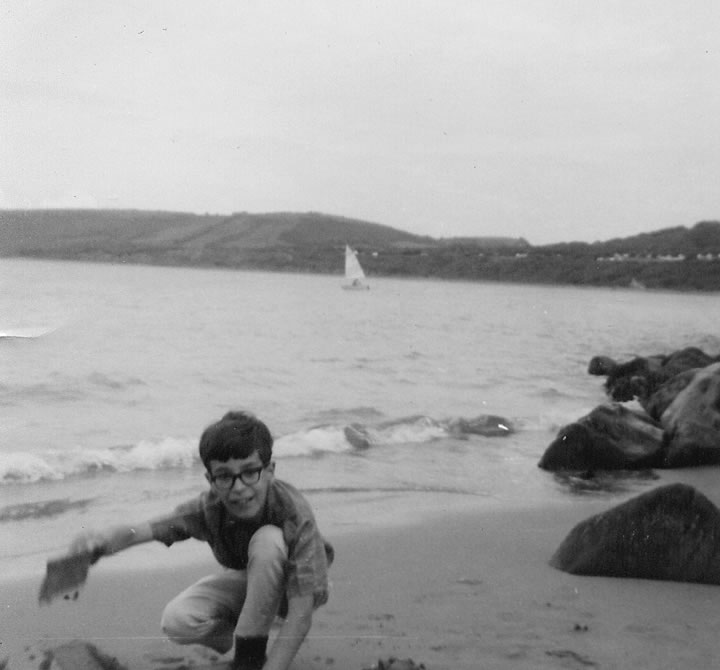 A young Keith at the seasdie